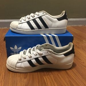 White Allstar Adidas/ Size 6 1/2
